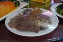 一盘卤牛肉片