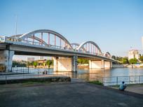 江岸边的惠州水门桥