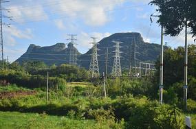 山村电线塔
