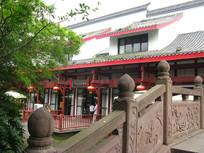 中式园林风格小桥与建筑