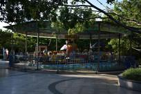 儿童游乐园旋转木马