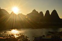 日落高山风景图片