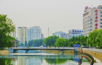 沈阳小河沿河岸石桥与建筑