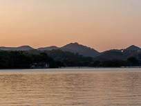 晚霞下的惠州西湖