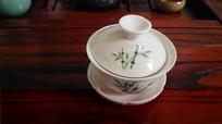 白色竹叶图案陶瓷茶杯