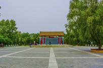 万泉公园怀古思今娱乐广场