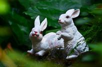 小兔子雕塑图片