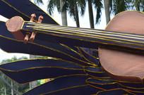 吉他与翅膀灯饰局部图