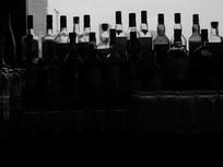 酒瓶逆光照