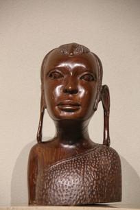 非洲木雕长耳少女雕像