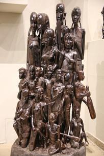 非洲木雕大家族雕像