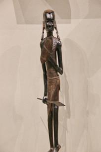非洲木雕少女武士雕像