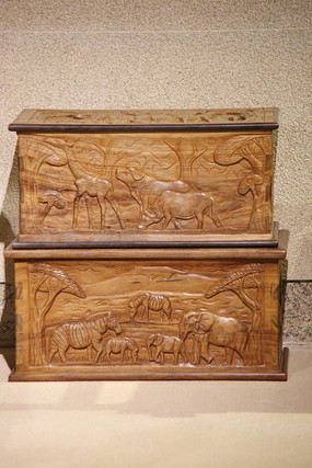 非洲洲木雕动物世世界的木箱