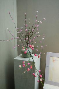 粉红色插花装饰