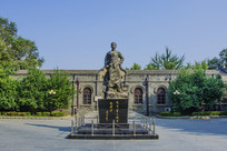 少年周恩来雕塑与读书旧址全景