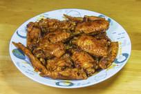 一盘红烧鸡翅