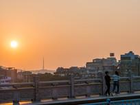 黄昏下的惠州东新桥与城市风光