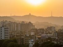 黄昏下的惠州与高榜山