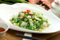 手捏菜炒蘑菇