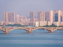 东江大桥与各住宅楼盘