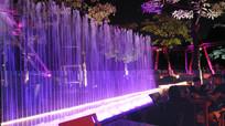 公园里的灯光喷泉
