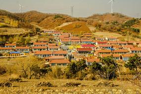 山坡上的山村风景