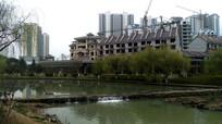 修文河流与尚岸高楼