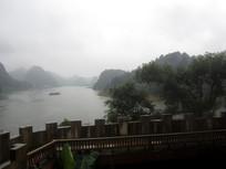 雨中的红枫湖