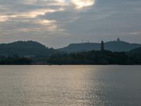 黄昏下的惠州西湖景色