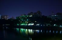 城市湖泊灯光夜景