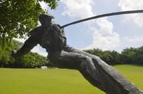 炼钢工人青铜雕塑特写