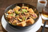 笋干菜蒸油豆腐肉