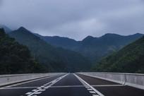 笔直高速公路