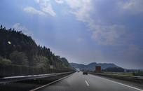 畅通高速路