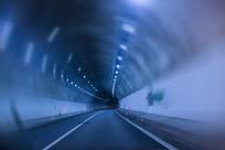 畅通隧道拍摄