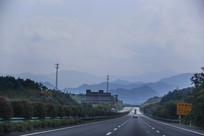 道路远山高速