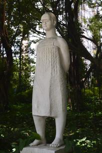 独生女女孩雕塑作品
