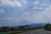 风景如画高速路