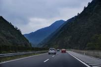 高速公路私家车