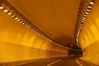 高速公路隧道黄色灯带