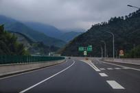 高速公路秀美山川