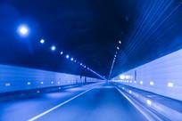 高速蓝色隧道