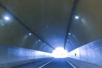 高速隧道出口