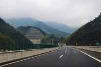 山川美景高速路