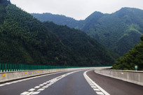 山林弯道高速