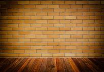 黄砖墙和木地板