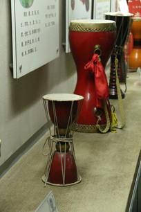 各种造型的腰鼓