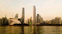 岸边的珠江新城CBD