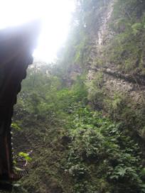 高耸的山崖