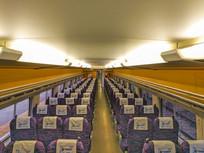 宽敞的高铁车厢